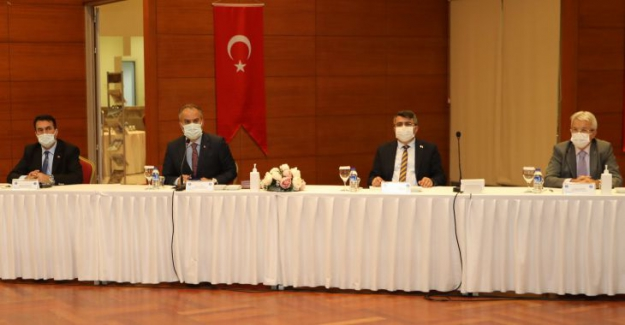 Bursa Büyükşehir ve 17 İlçe Belediye Başkanlarından Deprem Zirvesi