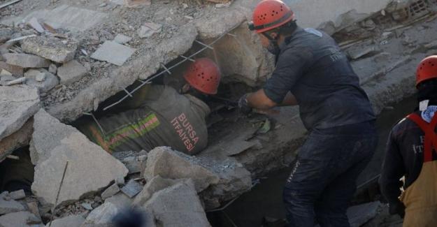 İzmir depreminde hayatını kaybeden vatandaş sayısı 114'e yükseldi