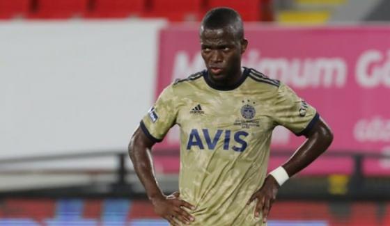 """Korona salgını Fenerbahçe'yi de bırakmadı: """"Valencia'nın testi pozitif"""""""
