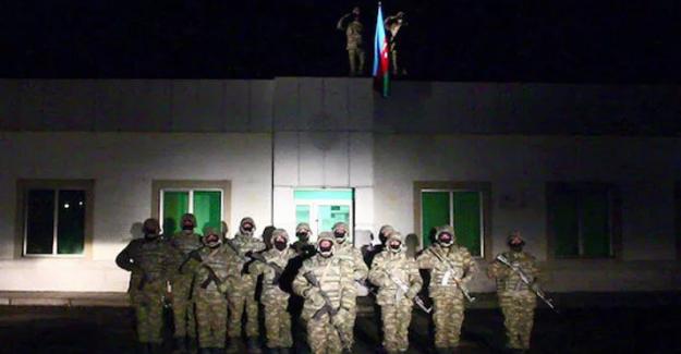 Azerbaycan Bayrağı Laçin Şehrine Dikildi