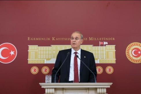 """CHP sözcüsü Öztrak: """"Türkiye'miz kendisine giydirilmek istenen bu deli gömleğini yırtıp atacak"""""""