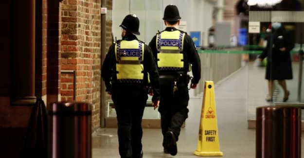 İngiltere'de son 24 saatte 691 kişi virüsten hayatını kaybetti