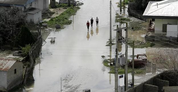 İran'da sel felaketinde ölü sayısı 7'ye yükseldi