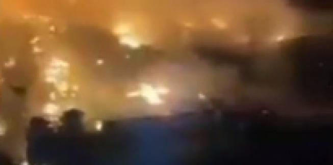 Lübnan'da Suriyeli mültecilerin kaldığı kamp ateşe verildi