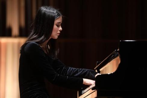 Piyanist Iraz Yıldız'dan dünya klasikleri