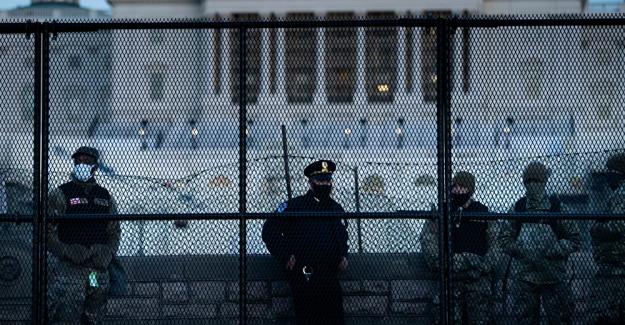 ABD Ordusu, devletini kendi halkından 2 metrelik barikat ile koruyacak