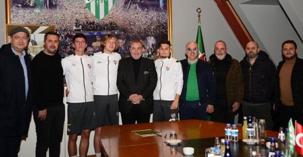 Bursaspor Kulübü Altyapı Sporcularla sözleşmelerini sürdürüyor
