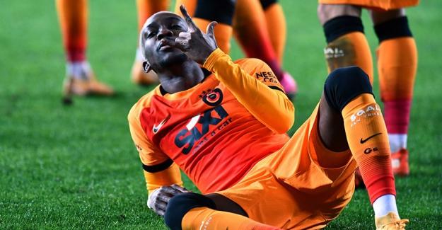 """Henry Onyekuru: """"Tekrar bana Galatasaray forması giydirdiği için Allah'a şükrediyorum"""""""