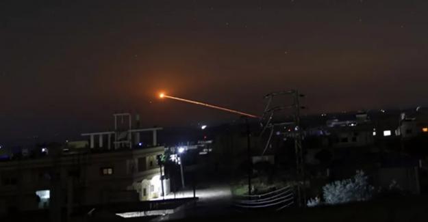 İsrail'den Suriye'ye saldırı: Hava savunma sistemleri devrede