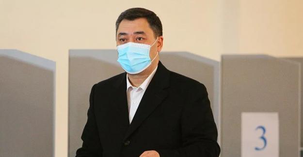 Kırgızistan'da başkanlık seçimlerini kesin olmayan sonuçlara göre Sadır Japarov kazandı