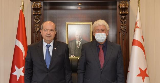 KKTC Cumhurbaşkanı Ersin Tatar, KİÜ Dekanı Prof. Dr. Ata Atun'u kabul etti