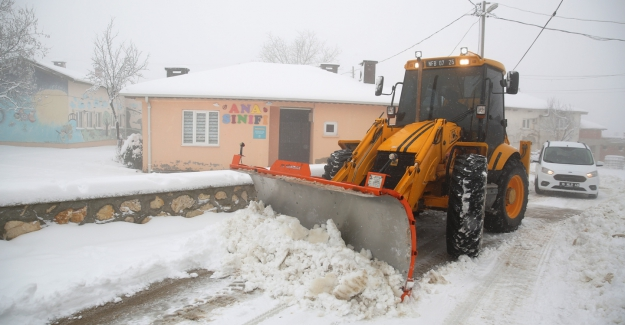 Nihayet Bursa Kent Merkezine ilk kar düştü