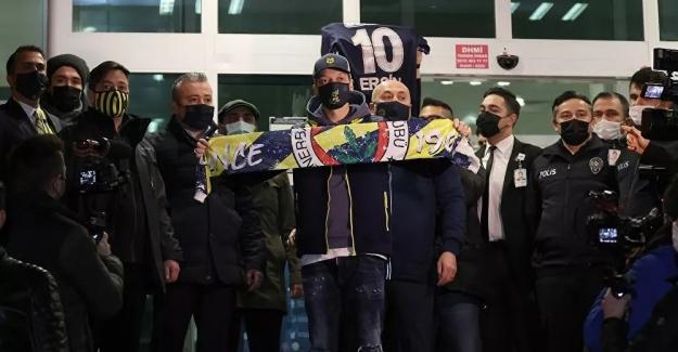 Rüya gerçek oldu ve Mesut Özil artık Fenerbahçe'de!