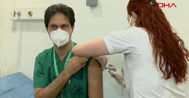 Sağlık çalışanlarına aşı yapılmaya başladı