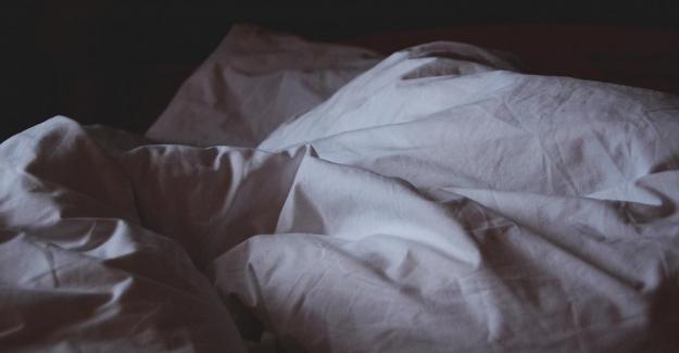 """Bilim insanları uyardı: """"Yaşlılarda uyku bozuklukları, demans ve ölüm riskini iki kat artırıyor"""""""