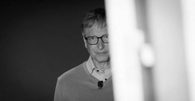 Bill Gates, mutasyonlarla mücadele için 'üç doz aşı' çağrısı yaptı