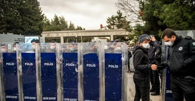 Boğaziçi Üniversitesi'ndeki gösterilerde gözaltına alınan 51 kişinin tamamı serbest kaldı