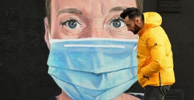 İngiltere'de koronavirüs kısıtlamalarının 8 Mart'tan itibaren 4 aşamada kaldırılması planlanıyor
