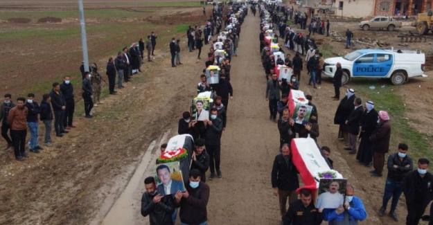 Irak'ta Ezidiler IŞİD'in öldürdüğü 104 kişiyi toprağa verdi