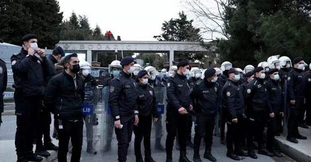 İstanbul Valiliği, Boğaziçi eylemlerinde 159 kişinin gözaltına alındığını duyurdu