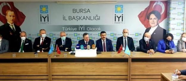 İyi Parti Grup Başkan Vekili Lütfi Türkkan Bursa'da