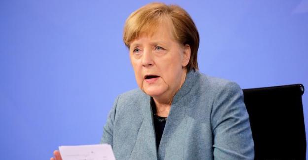 """Merkel'den """"yaz sonuna kadar herkese aşı teklif edilmiş olacağı"""" sözü"""