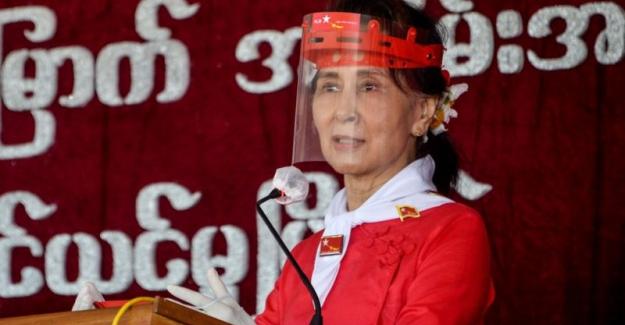 Myanmar'da Ülkenin lideri Aung San Suu Kyi ve Ekibi Ordu tarafından gözaltına alındı