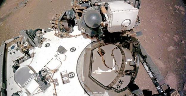 NASA, uzay aracının Mars'a indiği görüntüleri paylaştı