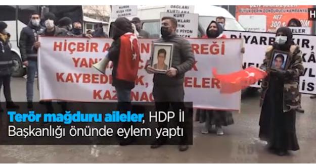 Terör mağduru ailelerden HDP İl Başkanlığı önünde eylem