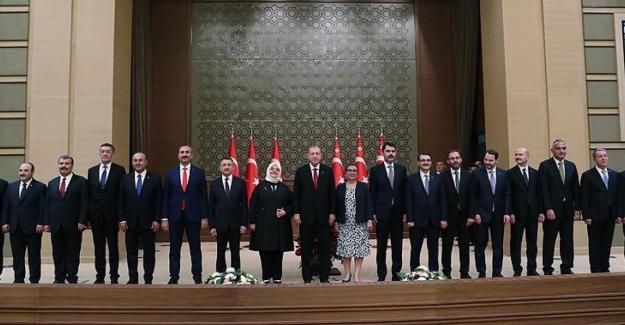 """AK Parti'den """"kabine"""" açıklaması: Cumhurbaşkanı, yeni bir düzenlemeye gidecektir"""