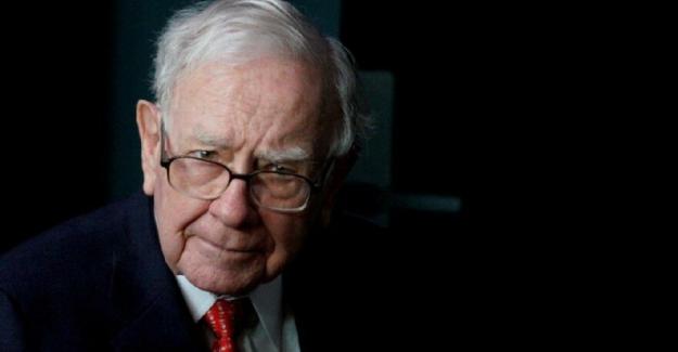 """Dünyanın En Zenginlerinden Warren Buffett; """"90 yaşında ve 100 Milyar Dolarlık Servet Sahibi"""""""