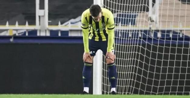 """Fenerbahçe'de Mesut Özil şoku: """"Sakatlandı"""""""