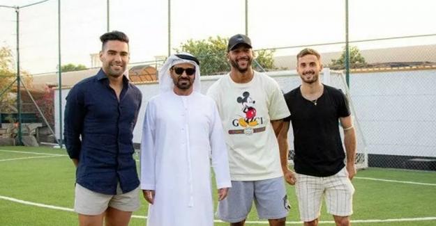 Galatasaraylı futbolcular Birleşik Arap Emirlikleri'nde tatilde