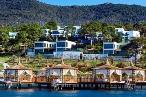 İngiliz turistler Türkiye'de tatile hazırlanıyor