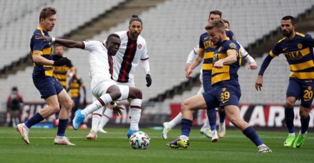 Süper Lig'in 29. haftasında Ankaragücü nefes aldı