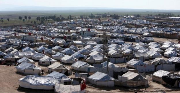 """Suriye Demokratik Güçleri """"IŞİD üyelerini yakalamak için El Hol kampına girdi"""""""