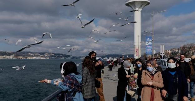 Türkiye koronavirüs salgınında yeni bir dalgayla karşı karşıya mı?