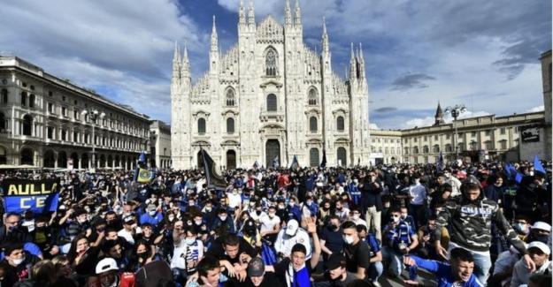 30 bin Inter taraftarının Milano sokaklarındaki kutlamaları kaygı yarattı, 'biyolojik bomba' yorumu yapıldı