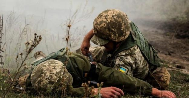 Donbas'taki Rus saldırıları devam ediyor: Bir Ukraynalı asker hayatını kaybetti
