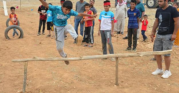 Harranlı çocuklar kendi Survivor parkurunu kurdu: Ödül çiğ köfte