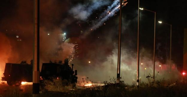 İsrail, Gazze'de sivil halkın yaşadığı binaları bombalıyor!