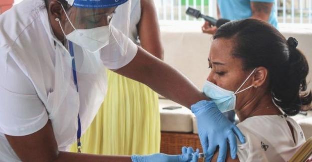 """Nüfusunun büyük kısmını aşılayan """"Seyşeller Adaları""""nda koronavirüs vakaları neden artıyor?"""