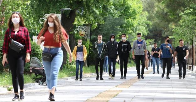 Sosyal Demokrasi Vakfı'ndan Gençlik Araştırması Raporu: Daha eğitimli ama daha yoksullar