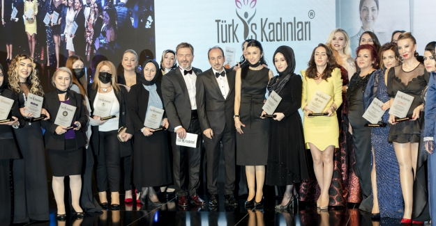 Türk İş Kadınları Plaket Töreni Gerçekleşti