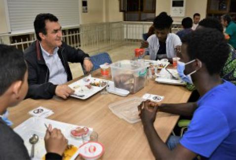 Yabancı öğrencilere iftar ziyareti