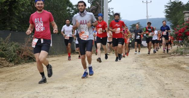 Dağyenice Ultra Maratonu'na bin sporcu katıldı