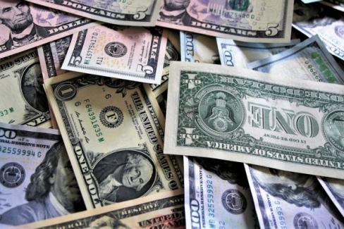Dolar bir yılda yüzde 30, Euro ise yüzde 40 arttı