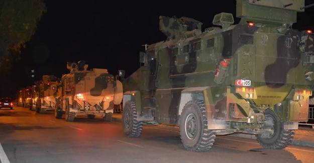 Hatay'ın Kırıkhan ilçesinde yaşanan askeri araç kazasında 2 Asker şehit oldu