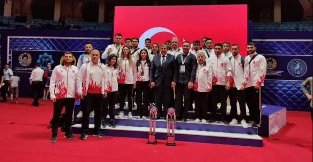Milli sporcularımız, Özbekistan Açık Kick Boks Turnuvası'nda 7 altın madalya kazandı