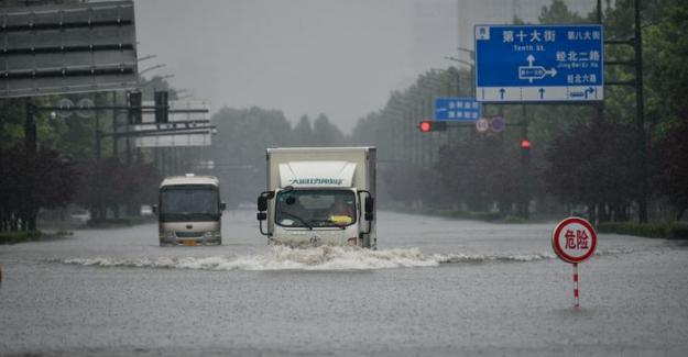 """Çin'de sel felaketi: """"Bin yılda bir olur"""""""